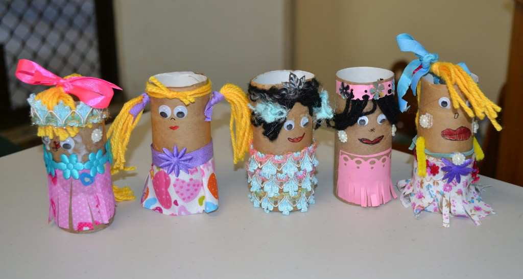 toilet paper roll dolls